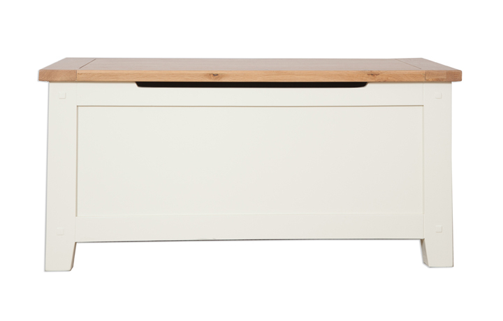 Chelsworth Ivory Painted Collection - Chelsworth Ivory Painted Blanket Box