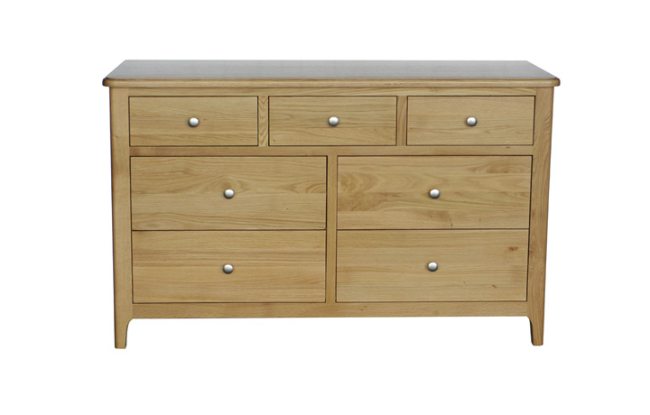 Chest Of Drawers - Bergen Oak 7 Drawer Wide Chest