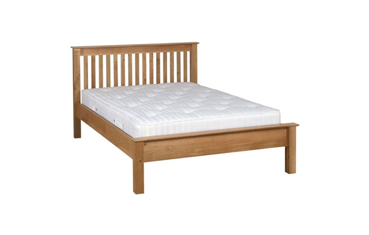 Bed Frames - Woodford Oak 4ft6in  Double Low Foot End Bed