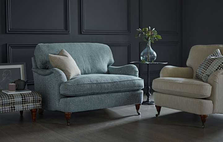 Chiswick Collection - Chiswick Love Seat